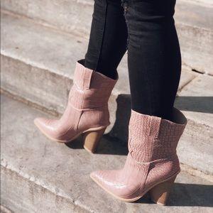 Shoes - 🆕Lana Blush Pink Snake Skin Cowboy Boots